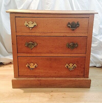 Arts & Crafts small solid oak drawers