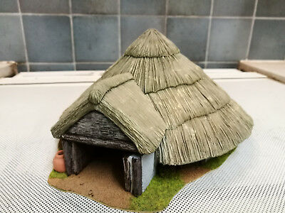 Large round medieval/ peasant hut, 28 mm resin, with removeable roof, painted.