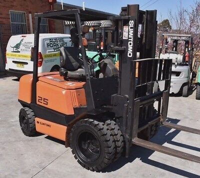 Sumitomo Yale 2.5T Diesel Forklift Duel Wheel Container Mast - Low Hours.