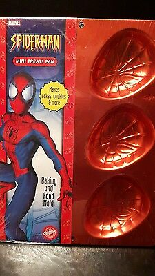 Brand New Wilton Cake Treat Pan Spiderman Marvel Sealed