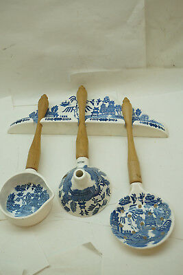 VINTAGE BLUE WILLOW JAPAN UTENSIL SET WALL HANGING 4 PC FUNNEL STRAINER LADLE d