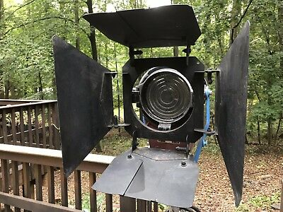 "Mole Richardson 2K Baby Junior Fresnel Type 4131 2000 Watts 6"" Lens Arri Kino"