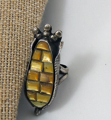 Zuni unsigned Gold Yellow Lip Shell Corn Ring Carved Set Stones Size 6-3/4