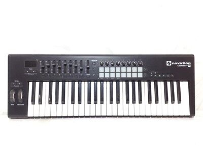 Sintetizador Launchkey 49 Novation 2420595