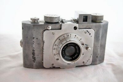 1947... DERLUX...made by Gallus...... 1st post WWII camera produced in FRANCE