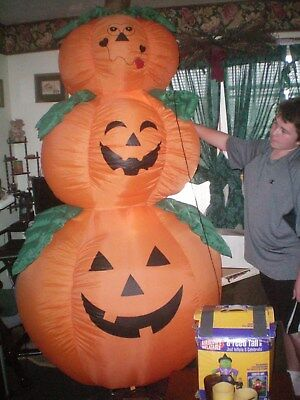 Huge  8Ft Halloween Airblown Inflatable 3 Stacked Pumpkins  Works Great