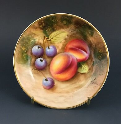 Royal Worcester Fruit Painted pin tray, c. 1970. Signed William Roberts.