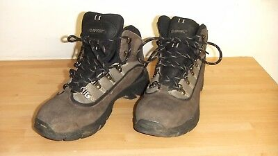 Hi-Tec Waterproof  Men's Walking / Hiking / Winter Boots Uk Size 7