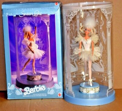 1991 Barbie Swan Lake First in Series of Musical Ballerina Dolls w/Box & Display