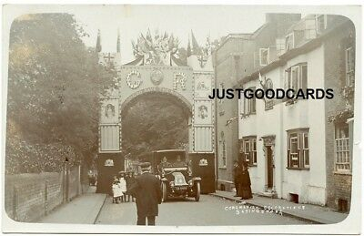 BASINGSTOKE, HAMPSHIRE - STREET SCENE No. 12 - REAL PHOTO - CORONATION ARCH