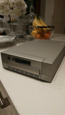 "Cyrus CD 8x CD Player ""Spares or Repair"" Lights up but no Sound"