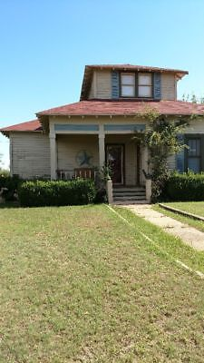 Older 3bdr., 2ba. Home on 2acres.