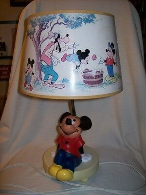 Vintage Walt Disney Mickey Mouse Lamp Night Light 1981 Dolly Toy Co With Shade