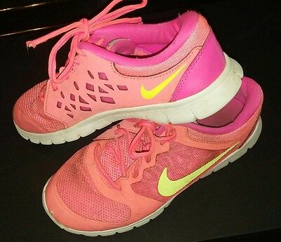 Girls Nike Running Shoes Size 2 2Y Youth Grade School Sneakers Pink Laces Used