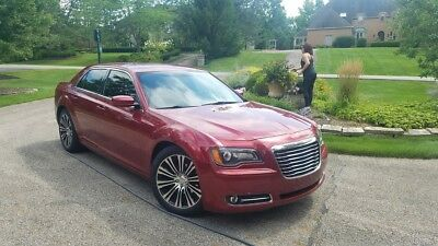 """2012 Chrysler 300 Series  2012 CHRYSLER 300 S 300s with 20"""" wheels and low miles SPORT NO RESERVE !!"""