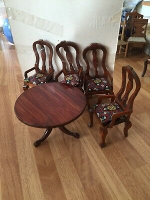 dolls house table and chairs
