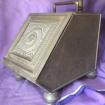 Beautiful Antique Brass Coal Scuttle and Shovel. Arts and Crafts