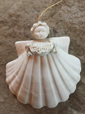 "Margaret Furlong 1995 ""Garland"" Shell Ornament"