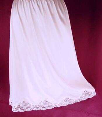 JCPenney Lace Trimmed Nylon Half Slip~Soft Pink~L