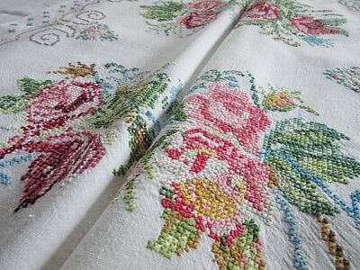 """HEAVILY EMBROIDERED VINTAGE CROSS STITCH LINEN TABLECLOTH - FLORAL POSIES 32x32"""""""