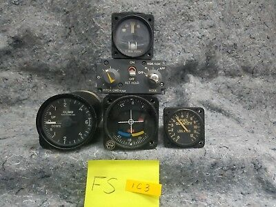 Lot of 4 and radio Airplane Gauges FS1C3