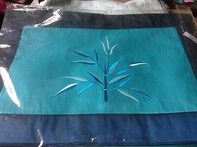 Beautiful silk table runner and table mats, BNWT
