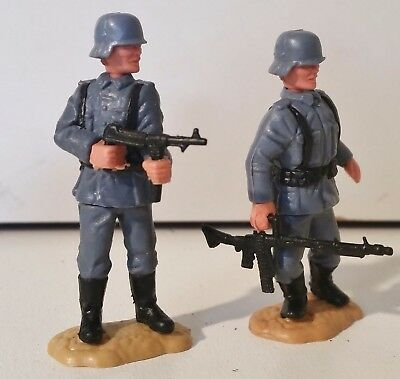 Lot of 2 x 1/32 scale Rare Timpo Swoppett German WW2 Infantry, FREE POSTAGE