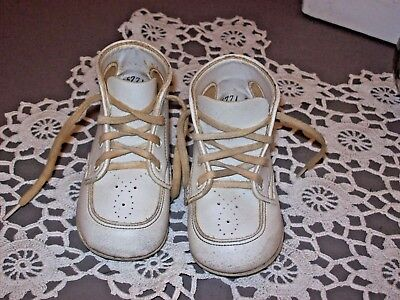 Vintage White Baby Shoes Size 3