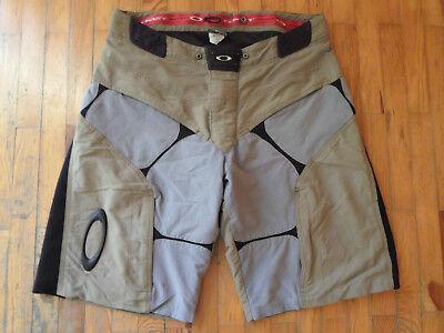 oakley attack cargo men's shorts active ghost hiking cycling skating board L 36