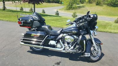 2011 Harley-Davidson Touring  2011 Harley Davidson Ultra Classic Electra Glide