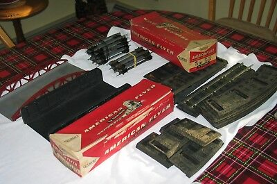BOXED american flyer 700 702 tracks GOOD/VERY good + 726 727 black rubber roadbe