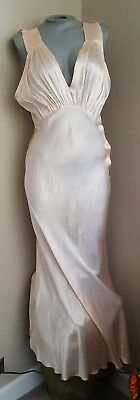 Beautiful Vintage 30s Peach Full Dress Slip Gown side snaps glamor sz L?