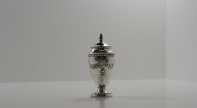 Antique Solid Silver Pepper Pot Hallmarked William Hutton & Sons Birmingham 1908
