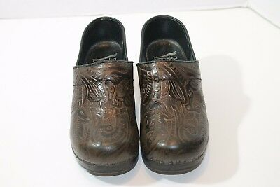 Dansko Brown Leather Tooled Stapled Professional Clogs Women's Sz 36