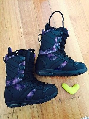 Burton Women's Snowboard Sapphire Boots Size 6.5 With Heat Pack Connection
