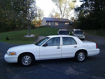 2003 Ford Crown Victoria  2003 crown victoria 66,400 miles one owener