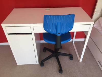 Childrens desk - Ikea Micke, plus chair