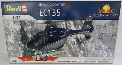 **NEU** REVELL 05724 The Flying Bulls Eurocopter EC135 Helikopter 1:32 **OVP**