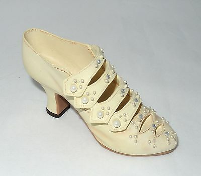 Just The Right Shoe - Edwardian Grace, #25024