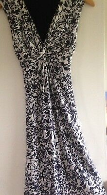 Women's Dress Size 10R By Per Una In White And Navy