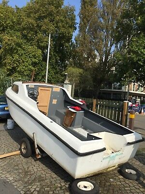 18ft Fishing Boat With 35hp evinrude and Trailer