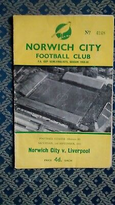 1961 - 1962  Norwich  City v Liverpool  - Division 2 - 02/09/61