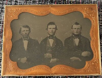 1/4 Ambrotype Group Of Friends Well Dressed Nice Pose Sealed