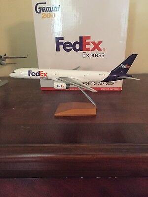 Gemini200 FedEx B757-200F N920FD 1:200 Scale Diecast Model Airplane