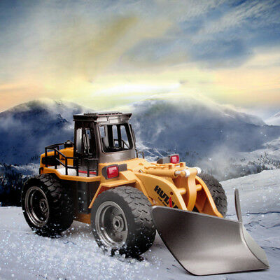 HUINA 1:18 2.4G Six-channel Alloy RC shovel Snow Engineering Truck Car Toy Gift