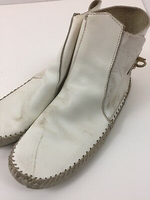 Vintage SIZE 7 LEATHER MOCCASINS White Ankle Boots Soft Soles Guilfair Original