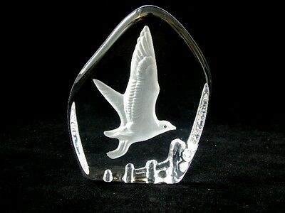 Vintage Wedgwood Art Glass Crystal Etched Seagull Paperweight