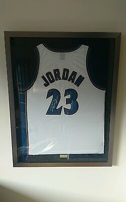 Michael jordan signed Jersey with COA