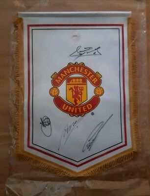 MANCHESTER UNITED SIGNED PENNANT de gea valencia young smalling CLUB ISSUED