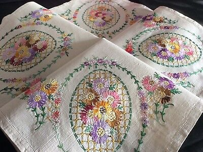 Beautiful Vintage Linen Hand Embroidered Tablecloth ~ Floral Corners
